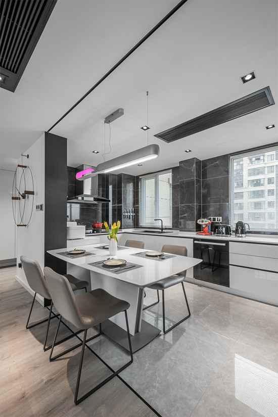 想要一套现代简约的亲密家居住宅?147㎡动静分区大开间,客餐一体+开放式书房,互动起来很简单