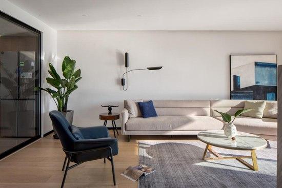 165㎡现代简约家居,回归生活本真,静谧纯净、自然和谐