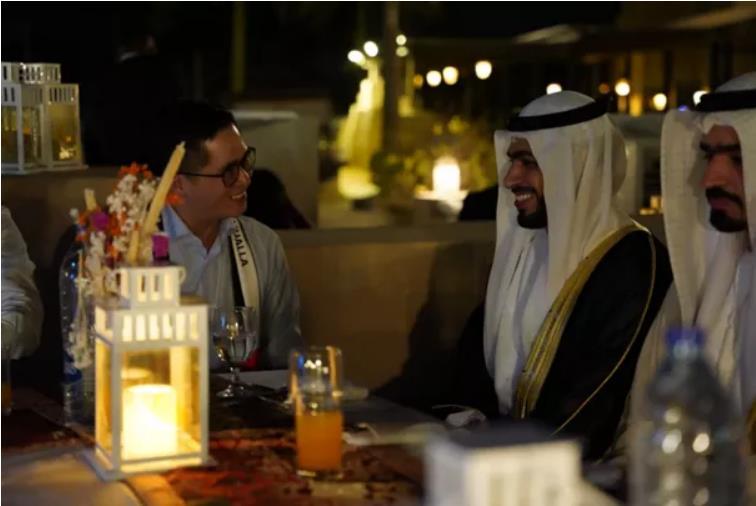 阿联酋乌姆盖万王储盛情邀约刘阳主席阁下与柬埔寨考察团一行共享晚宴